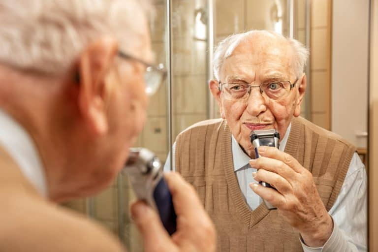 Top 8 Best Electric Razors For Elderly Man